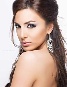 Cristina Neal cristinaneal Beautiful Eyes, Diamond Earrings, Puerto Ricans, Jewelry, Faces, Sign, Google, Fashion, Moda