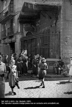 La capella d'en Marcús, a la confluència dels carrers dels Carders i de Montcada. Barcelona, anys 20