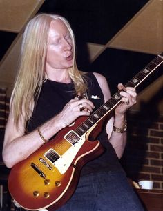 JOHNNY WINTER on 6/12/77 @ Tucson Music Hall  (cf)