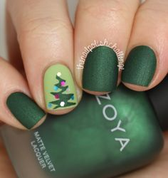 Nailpolis Museum of Nail Art | Christmas Nail Art by Kelli Dobrin