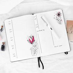 Bullet journal weekly layout, flower drawings. | @frai.oh