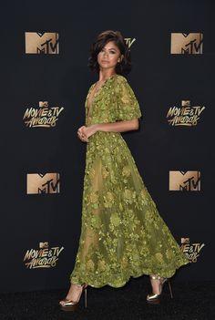 Zendaya Zuhair Murad Dress at the 2017 MTV Movie Awards Mtv Movie Awards 2017, Tv Awards, Moda Zendaya, Zuhair Murad Dresses, Zendaya Style, Dress Plus Size, Instyle Magazine, Bobby Brown, Evening Dresses
