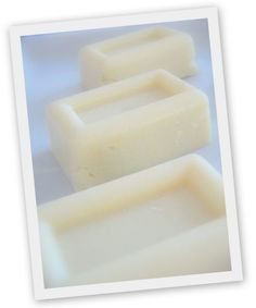 Nome inglese per questo sapone, in onore del sito su cui ho trovato la particolare tecnica con cui realizzarlo: Soap Making La tecnica ...
