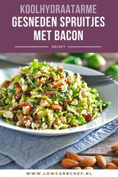 Sliced Brussels sprouts with bacon - A tasty and healthy low-carbohydrate main course, sliced Brussels sprouts with bacon, onion a - Healthy Low Carb Recipes, Healthy Chicken Recipes, Clean Eating Diet, Clean Eating Recipes, Enjoy Your Meal, Vegetable Soup Healthy, Lard, Le Diner, Vegan Dinners