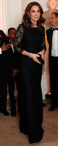 7 November 2017 - Duchess of Cambridge attends AFNCCF Gala Dinner Duchess Kate, Duke And Duchess, Duchess Of Cambridge, Kate Middleton Outfits, Kate Middleton Style, Maternity Style, Maternity Fashion, Pippas Wedding, Anmer Hall