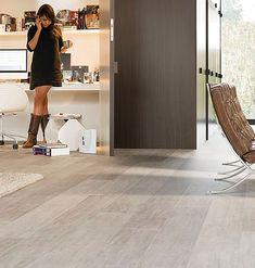 modern flooring ideas | Modern laminate floors for the living room look so elegant