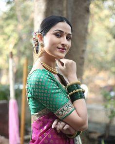Cute Girl Pic, Cute Girls, Beautiful Girl Image, Beautiful Women, Marathi Saree, Nauvari Saree, Lehnga Dress, Glamorous Makeup, Beautiful Bollywood Actress