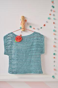 Captivating Crochet a Bodycon Dress Top Ideas. Dazzling Crochet a Bodycon Dress Top Ideas. Cardigans Crochet, Crochet Jumper, Crochet T Shirts, Black Crochet Dress, Love Crochet, Crochet Clothes, Knit Crochet, Crochet Stitches Patterns, Knitting Patterns