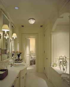 Townhouse, New York   Ferguson & Shamamian. Love the architectural detail of this bath!