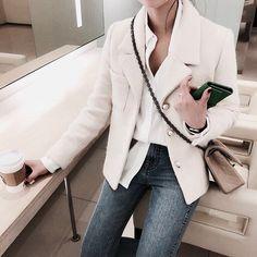 #bag #skirt #style #streetstyle #styleblogger #styleoftheday #fashion #fashionista #inspo #instalook #inspiration #autumn #autumnstyle #winter #winterishere #inspirationoutfit #classy #stylish #outfit #outfioftheday #outfits #casual #casualoutfit