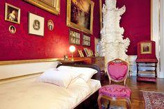 Schlafzimmer - http://www.hofburg-wien.at/wissenswertes/kaiserappartements/rundgang-durch-die-kaiserappartements/schlafzimmer.html
