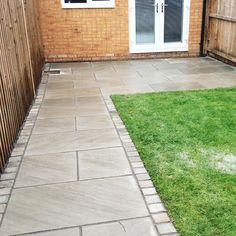 Mint Sawn Smooth Sandstone Paving Pack Single Sizes per Pack Inc FREE Delivery* - Cheshire Sandstone Patio Garden Ideas Uk, New Build Garden Ideas, Garden Design Ideas Uk, Front Garden Ideas Driveway, Back Garden Design, Small Garden Slab Ideas, Front Walkway, Garden Projects, Garden Inspiration