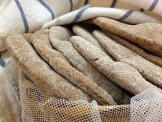 Del libro de Ibán Yarza, Pan Casero. El pan de pita es una excelente opción para una cena o lunch. Adaptando a mis preferencias la re...