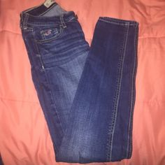 Hollister jeans Like new, great condition Hollister Jeans Skinny