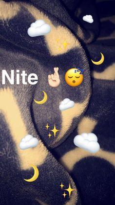 Snapchat Selfies, Snapchat Streak, Snapchat Picture, Instagram And Snapchat, Snapchat Message, Emoji Wallpaper, Tumblr Wallpaper, Wallpaper Backgrounds, Creative Instagram Stories