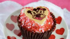 You'll find everything from adorable sweets you can grab on the go to romantic prix fixe meals with extra special touches to celebrate Valentine's Day 2021 at Disney World #ValentinesDay #ValentinesDay2021 #Disney #DisneyWorld #Disneytreats #Disneysnacks #Disneyfood Disney Valentines, Valentines Day Treats, Holiday Treats, Disney World Facts, Disney Parks Blog, Disney Snacks, Disney Food, Walt Disney, Tiffin Restaurant