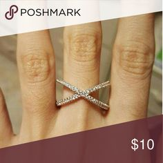 Size 7 criss cross ring Size 7 New in box Jewelry Rings