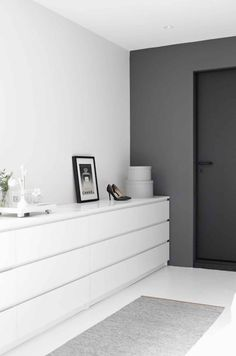 'Minimal Interior Design Inspiration' is a biweekly showcase of some of the most perfectly minimal interior design examples that we've found around the web - Interior Design Examples, Interior Design Inspiration, Design Ideas, Bedroom Inspiration, Grey Interior Design, Interior Sketch, Web Inspiration, Classic Interior, Interior Modern