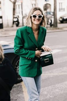 These 11 eye-catching outfits are the key to figuring out what to wear to a house party. Shop the hero pieces to put together each look. Autumn Street Style, Street Chic, Fashion Mode, Fashion Night, Autumn Fashion, Fashion Trends, Green Blazer, Green Jacket, Fashion Clothes