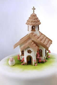 by Neli Josefsen (Nelka) Clay Fairy House, Fairy Houses, Clay Houses, Paper Houses, Fondant Figures, Fondant Cakes, Clay Projects, Clay Crafts, First Communion Cakes