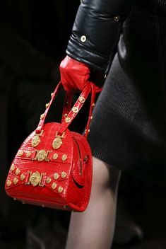 3ab317be983b1 VERSACE - FALL WINTER 2018-19 READY-TO-WEAR Versace Bag