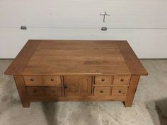 Awesome Broyhill Attic Heirlooms Apothecary Coffee Table In Oak Stain ❤️