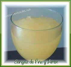 U na rica y diferente sangría para servir a tus invitados en este verano.     La combinación de piña y limón hacen   de esta bebida una mu...