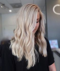 Light Blonde Hair, Blonde Hair Looks, Brown Blonde Hair, Blue Hair, Light Blonde Balayage, Beautiful Blonde Hair, Perfect Blonde, Hair Color Balayage, Blonde Color