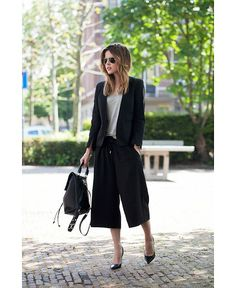 ok..ok.. I had every intention to dismiss culottes as trendy and ugg until I saw this pic. Maybe I will reconsider.