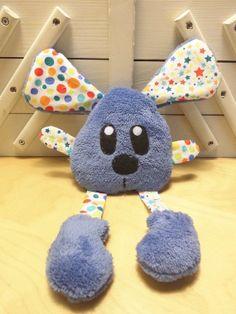 Doudou souris bleu étoilé et à pois