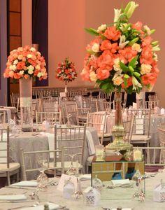 Flowers love #wedding #centerpiece #flowers #coral #peach #salmon