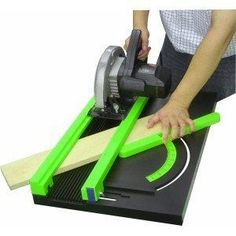 Caractéristiques produit: convient pour toutes scies circulaires jusqu'à 260mm coupe jusqu'à 50mm d'épaisseur