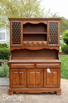 Dated Hutch Makeover | Confessions of a Serial Do-it-Yourselfer Paint Furniture, Diy Furniture Projects, Furniture Making, Repurposed Furniture, Refurbished Furniture, Hutch Makeover, Furniture Makeover, Buffet Hutch, Diy Home Decor