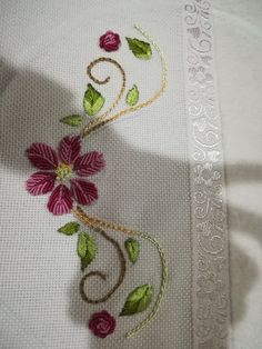 Havlu Floral Embroidery Patterns, Border Embroidery, Hand Embroidery Flowers, Tambour Embroidery, Embroidery On Clothes, Hand Embroidery Stitches, Hand Embroidery Designs, Ribbon Embroidery, Embroidery Art