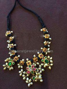 Different Style Black Dori Necklaces - Jewellery Designs Black Gold Jewelry, Emerald Jewelry, Pearl Jewelry, Indian Jewelry, Wedding Jewelry, Beaded Jewelry, Jewelery, Gold Jewellery, Pearl Necklace