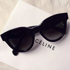 Cat eye sunglasses and pearls are a classic combination look that will never be out of fashion!