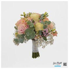 Brautstrauß mit Lisianthus, Hortensien, weiße und rosa Rosen Mondial, Schleierkraut, Mini Nelken und Eukalyptus Rosa Rose, Floral Wreath, Wreaths, Mini, Decor, Hydrangeas, Flowers, Dekoration, Floral Crown