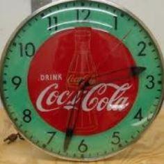 Vintage Coca-Cola Clocks - I remember clocks like this one hanging behind the soda fountains when I was a kid. Vintage Coca Cola, Coca Cola Ad, Always Coca Cola, World Of Coca Cola, Coke Machine, Coca Cola Kitchen, Cocoa Cola, Soda Fountain, Old Signs
