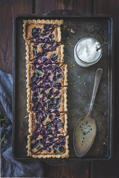 Blueberry cake with cream