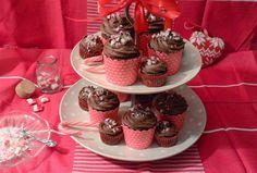 Celebration Treats 4U: Suklaa -cupcakes Polkagris -murskalla
