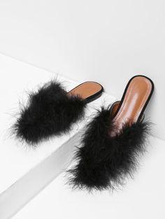 Модные туфли с искусственным мехом