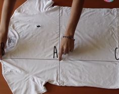 Descubre cómo puedes doblar tu ropa en sólo 2 segundos!