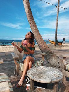 Meredith foster in Hawaii