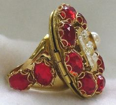 Queen Elizabeth I locket ring reproduction