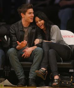Who made Vanessa Hudgens's black shoes and jeans that she wore while watching Angeles Lakers vs. Charlotte Bobcats game with Zack Efron in Los Angeles, February Shoes – Sam Edelman Jeans – Nudie Zac Efron Vanessa Hudgens, Estilo Vanessa Hudgens, Vanessa Hudgens Style, Troy Bolton, Nudie Jeans, Zac Efron And Vanessa, Troy And Gabriella, High School Musical 3, Lakers Vs