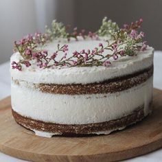 A beautiful Gingerbread #Cake with fresh Whipped Cream filling courtesy of @salsawali....would go so nicely with my homegrown chamomile tea right about now! #homemade #dessert #sweets #baking #food #foodphotography http://evpo.st/1oVZOdU  #feedfeed