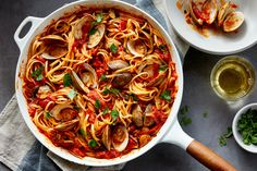 The iconic Italian-American pasta dish, packed with fresh briny clams, gets even more flavor from San Marzano tomatoes, plenty of garlic and anchovies, and a finishing touch of parsley. Clam Pasta, Seafood Pasta, Seafood Dinner, Pasta Dishes, Pasta Carbonara, Linguine Recipes, Pasta Recipes, Cooking Recipes, Clam Recipes