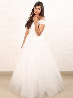 You can find best outfit for the bride BRIDAL Christian Wedding Gowns, Cool Outfits, Bride, Wedding Dresses, Fashion, Wedding Bride, Bride Dresses, Moda, Bridal Gowns
