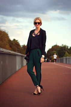 Beautiful fashion look    http://bootsmannundtornado.net/2012/10/15/beautiful-fashion-look/     #fashion #outfit #womenswear #highheels #sunglasses #necklace