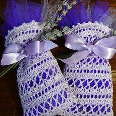 uncinettofra - Google+ Crochet Sachet, Crochet Pouch, Crochet Granny, Crochet Gifts, Crochet Motif, Crochet Stitches, Crochet Patterns, Crochet Butterfly, Crochet Flowers